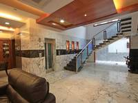 adyar-multi-level-house-living-staircase-1