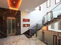 adyar-multi-level-house-staircase-handrail