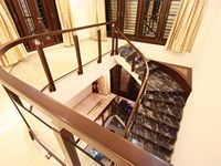 egmore-passage-house-staircase-handrail