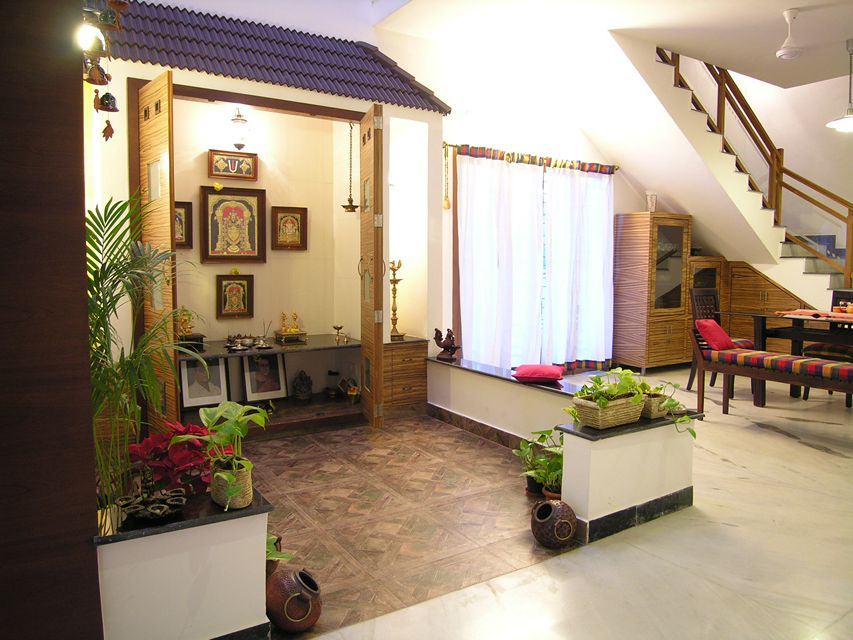 Award winning house of colors in ecr palawakkam for South indian style home decor