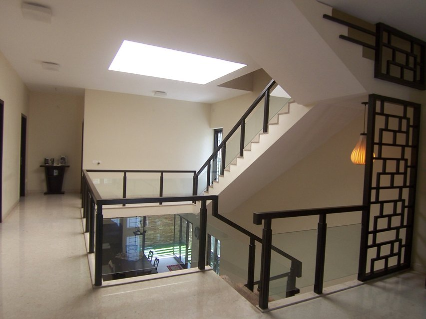 Minimal melange house ansari architects chennai for Large skylights